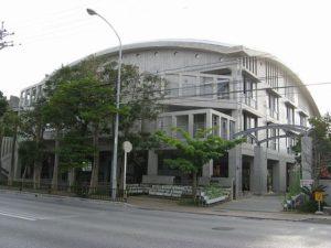沖縄県那覇市立神原中学校の外観