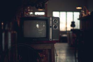 電源のついていないブラウン管テレビ