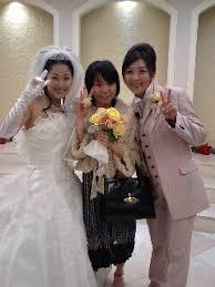 伊藤静と女性2人