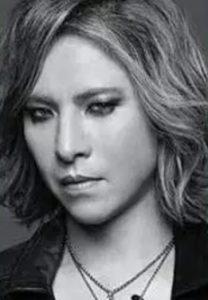 YOSHIKIの白黒画像