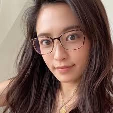 メガネをかけた小島瑠璃子