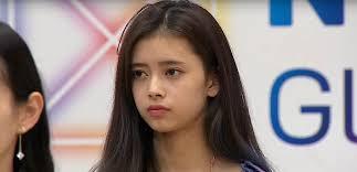 真顔の横井里茉