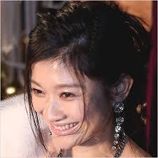 笑顔の篠原涼子