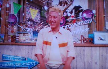 笑顔でトークをする田村亮