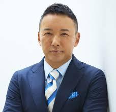 スーツ姿の山本太郎
