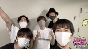 マスクを付けたジャニーズのメンバーと重岡大毅