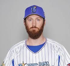 野球のユニフォームを着たパットン投手