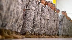 一列に並ぶ州兵達